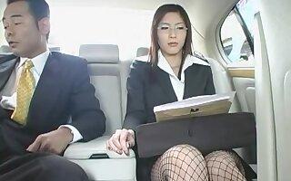 Spy Women VS Women Investigator