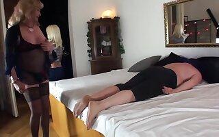 Se-x Massage in Hotel