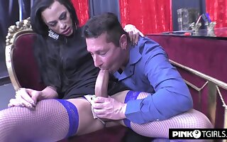 Transsexual Fucks A Unornamented Shemale Lover Wit 720p - Keyla Marques